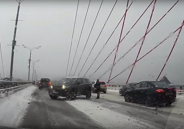 Hned čtyři dopravní nehody byly natočeny na kameru