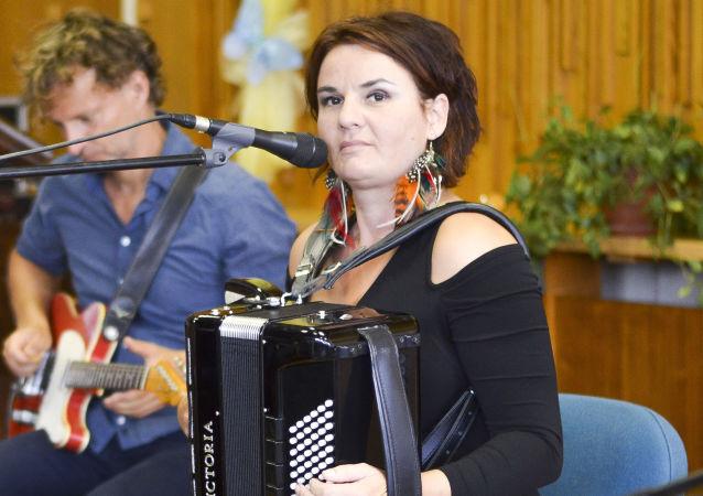 Radůza na koncertě v adamovském Městském kulturním středisku