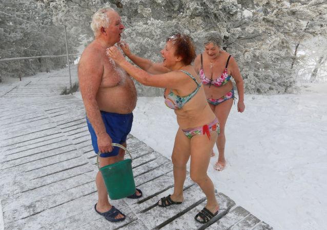 V plavkách odvážně ven! I za krutých mrazů!