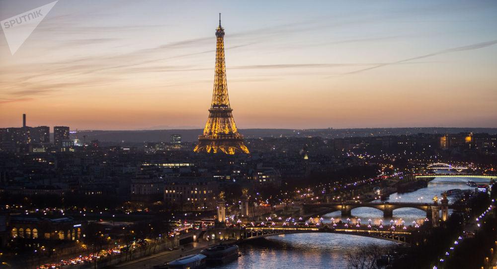 Pohled na Eiffelovu věž