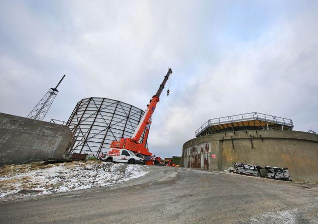 Stavba radaru na ostrově Unst