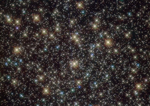 NASA zveřejnila fotografii hvězdokupy NGC 3201 udělanou s pomocí orbitálního teleskopu Hubble