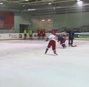 Ruský hokejista: Olympijské hry jsou jako narozeniny MOV, někdo pozván je a někdo není