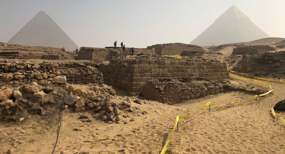 V Egyptě objevily starobylou hrobku vysoké úřednice