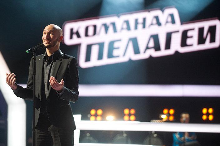 Zpěvák Ladislav Bubnár v show Hlas