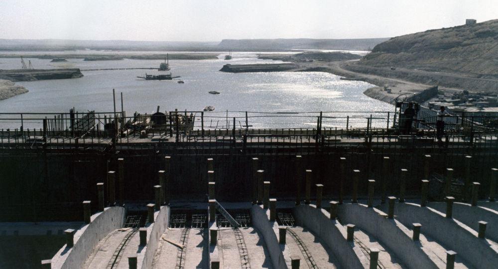 Hráz na Eufratu