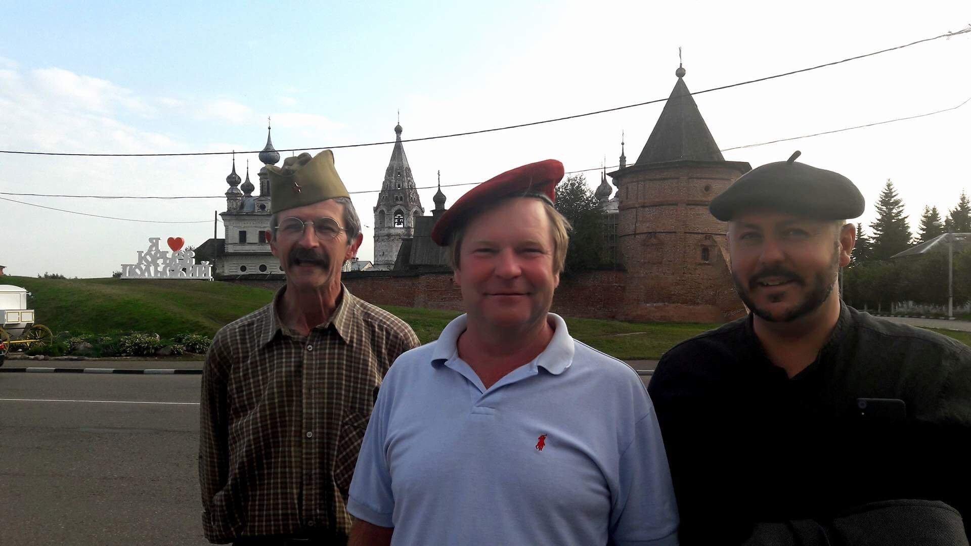 Philippe Camus (zleva) v Rusku