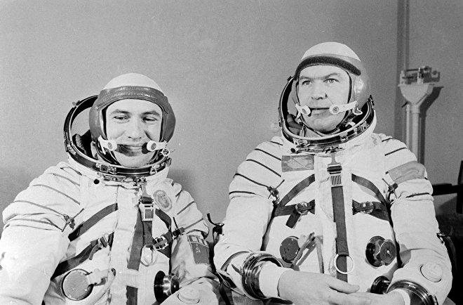 Kosmonauti Leonid Popov a Valerij Rjumin