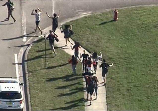 Drastické video z místa útoku na školu na Floridě