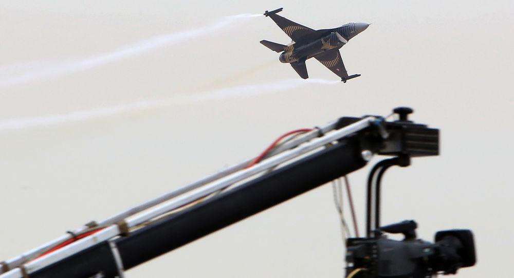 Turecké letadlo F-16