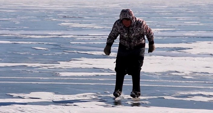 Bajkalem na bruslích: 76letá důchodkyně si podmanila internet