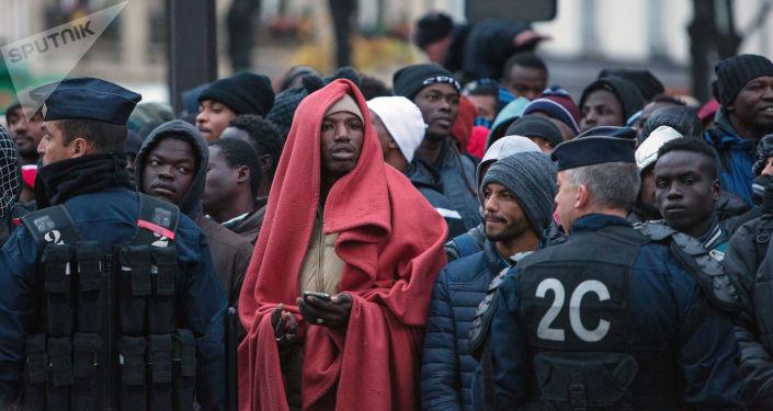 Migranti v Paříži
