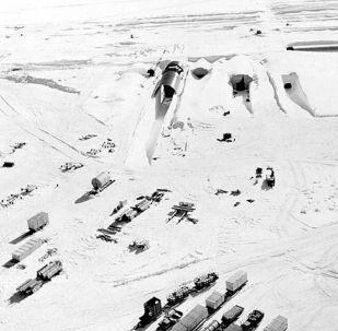 Americký projekt Iceworm na rozmístění sítě mobilních jaderných raketových odpalovacích ramp v Grónsku