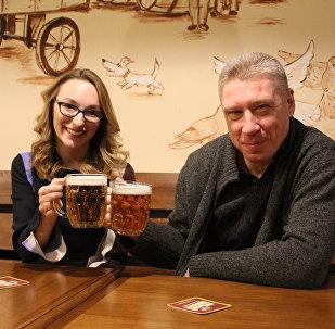 Majitel podniku Maxim Perevezňuk a jeho dcera Anita