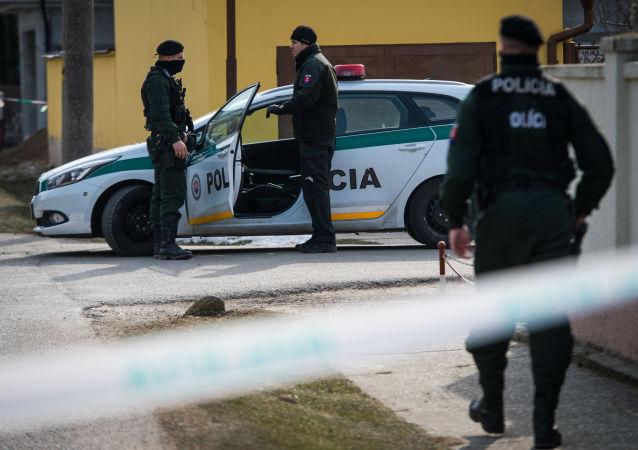 Policie na místě vraždy novináře