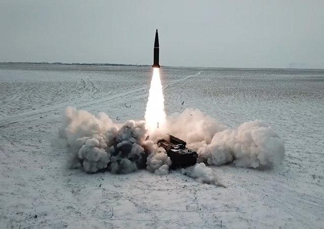 Uskutečnilo se bojové vypuštění rakety Iskander-M
