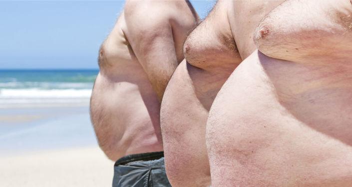 Muži trpící nadváhou