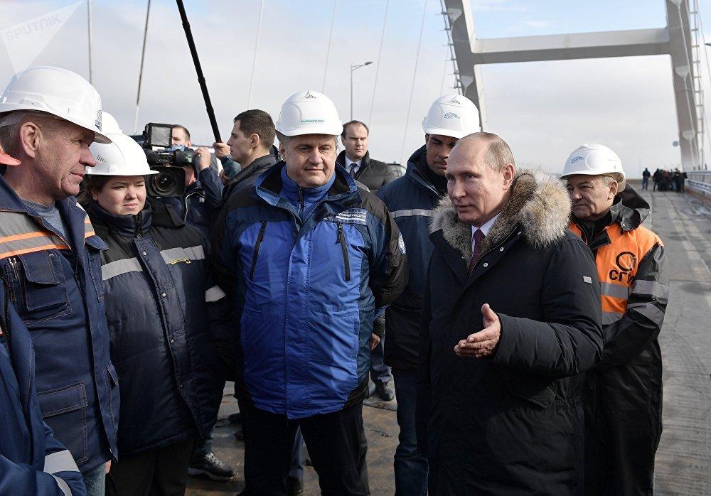 Putin na Krymském mostu