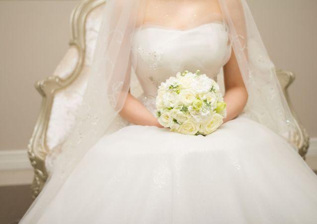 Nevěsta se svatební kyticí