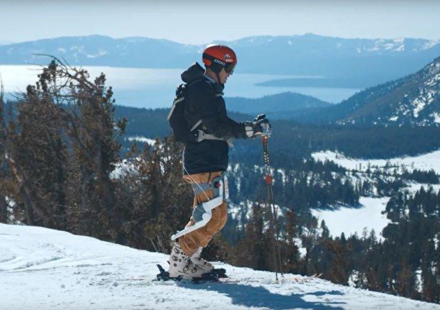 Podívejte se na Roam Ski: Exoskelet pro lyžaře (VIDEO)