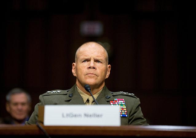 Velitel Sboru námořní pěchoty USA, generál Robert Neller