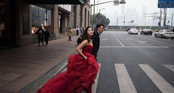 Svatební pár v Šanghaji