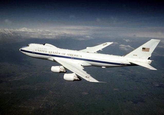 """Boeing E-4B Nightwatch známý jako letoun """"soudného dne"""""""