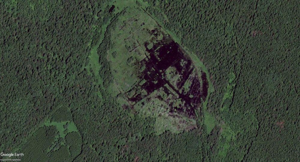 Uralský badatel oznámil, že nalezl v bažině mýtický staroruský hrad Kitěž
