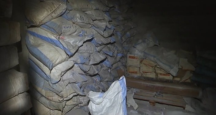 Záběry z chemické laboratoře v Dúmě, kde ruští vojáci objevili hexamin