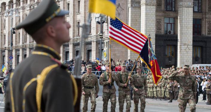 Vojáci NATO v Kyjevě.
