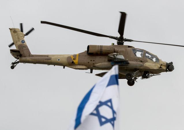 Izraelský vrtulník AH-64 Apache. Ilustrační foto