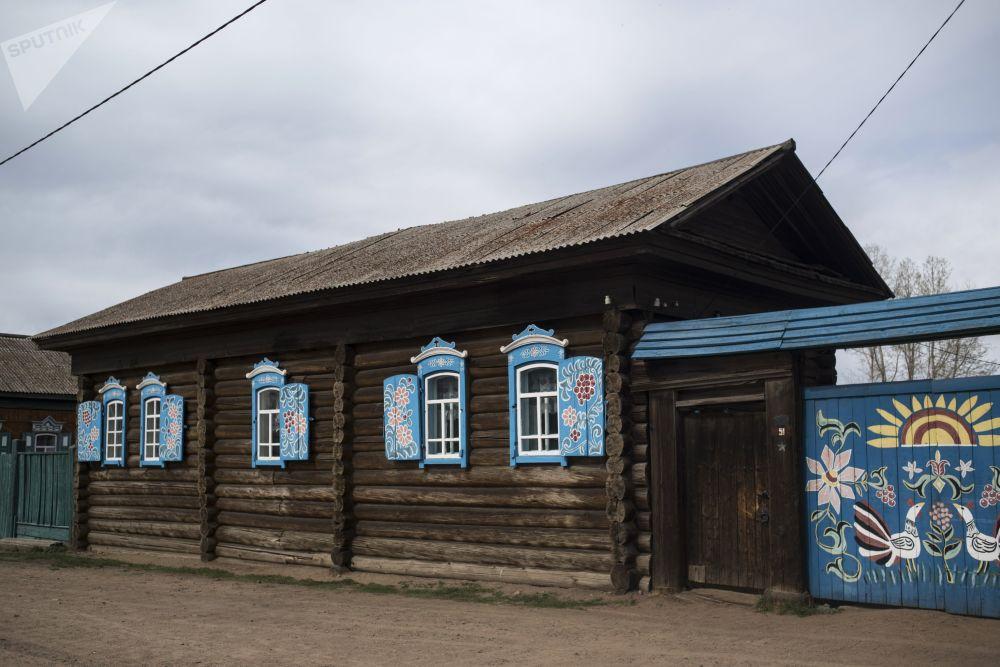 Rodinná vesnice starověrců Tarbagataj v Burjatsku