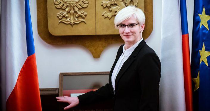 Ministryně obrany ČR v demisi Karla Šlechtová