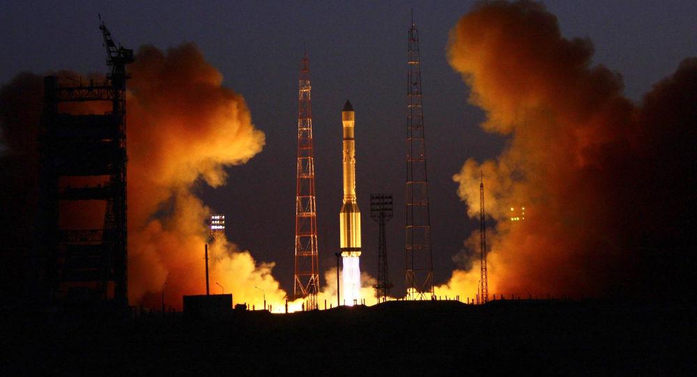 Raketa s třemi družicemi Glonass