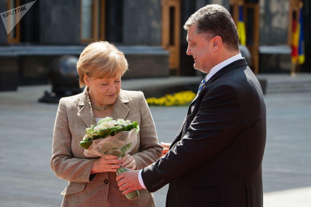 Květinový boom. Jaké kytice dávají politikům v různých zemích
