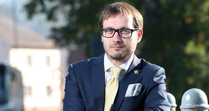 Adam B. Bartoš