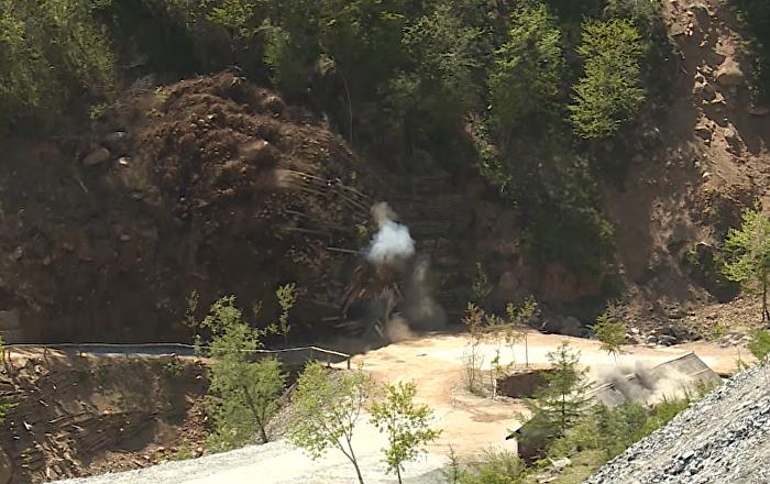 Vyhození do povětří objektů na severokorejském jaderném polygonu Punggye-ri