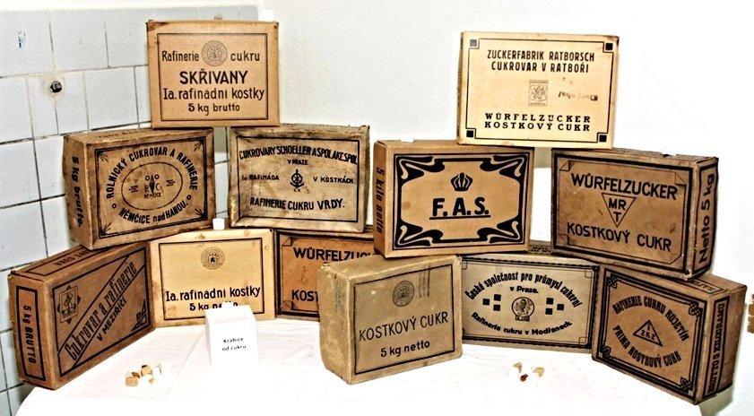 Z výstavky našich členů – předválečné a protektorátní krabice na kostkový cukr