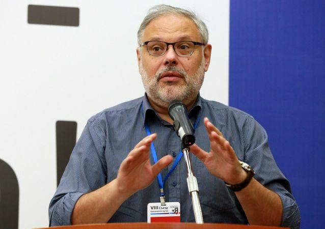 Ruský ekonom Michail Cházin