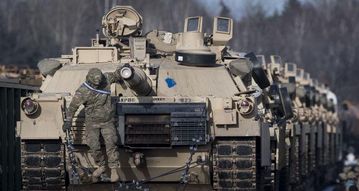 Americké tanky Abrams