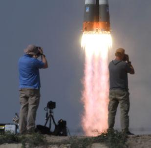 Start rakety Sojuz MS 09