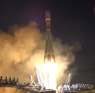Raketa Sojuz vynesla do vzduchu družici Glonass