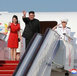 Exkurze, hostiny a ovace: jak zabavili Kim Čong-una v Číně