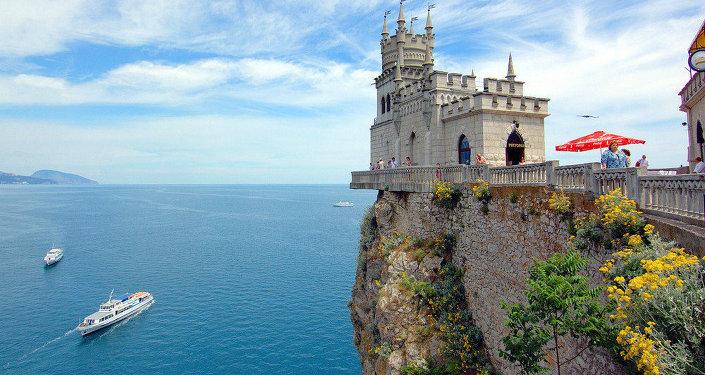 Zámek Vlaštovčí hnízdo v Krymu