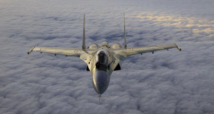 Stíhací letoun Su-35.