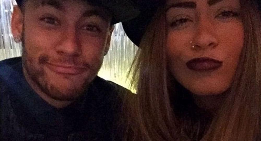Neymar a Rafaella