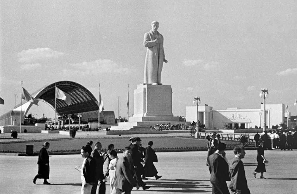 Pomník Stalinovi na VDNCH