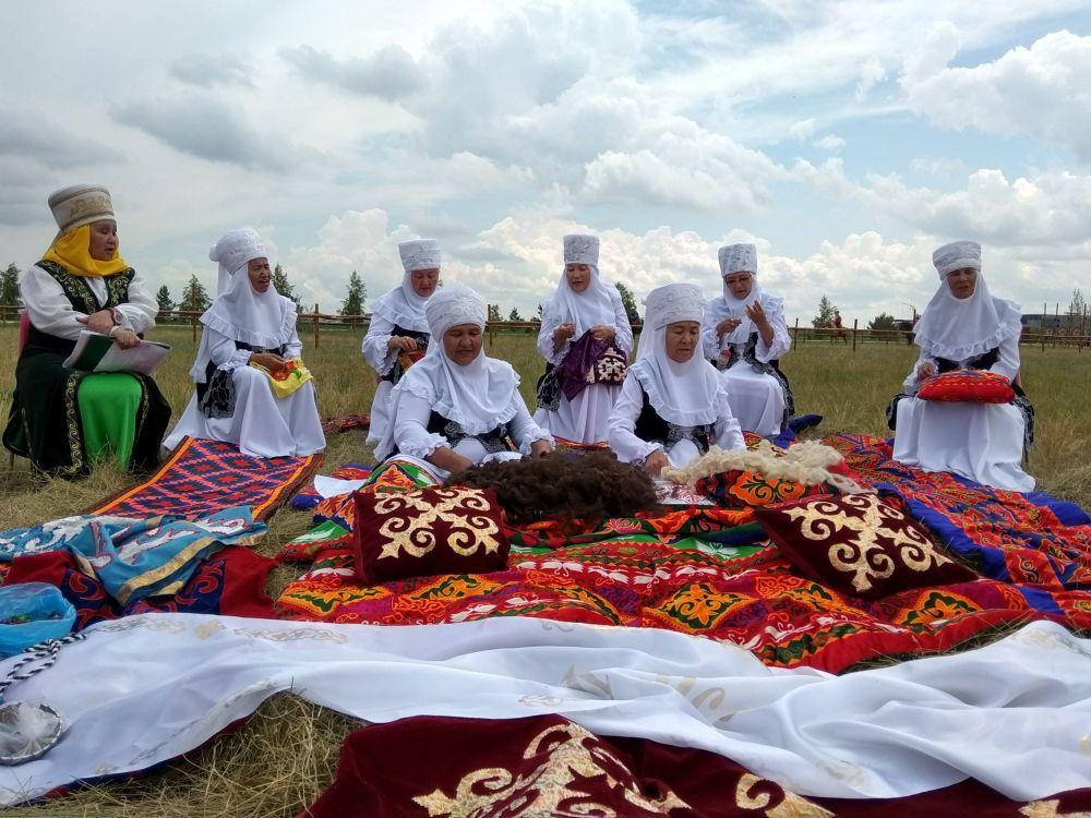 Baursaky, džigité a koně: Mezinárodní festival Turkických národů