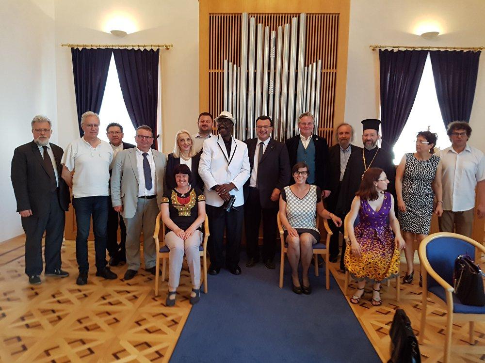 Pořadatelé mezinárodní lingvistické konference CISLa 2018 a úředníci Jihomoravského kraje