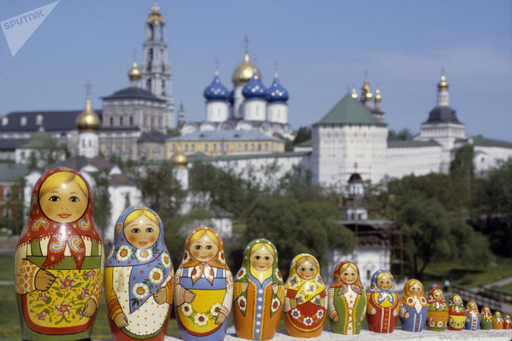 Matrjoška jde na dračku. Historie a modernost nejmódnějšího ruského suvenýru